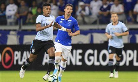 Em jogo emocionante, Cruzeiro e Grêmio empatam por 3 a 3