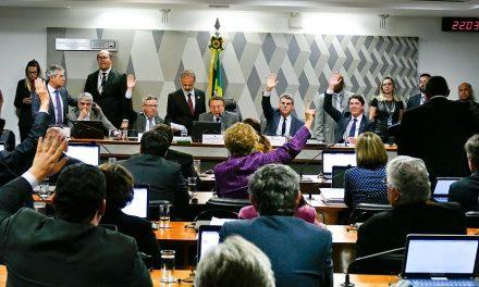 CCJ do Senado aprova texto da reforma trabalhista