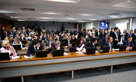 CCJ aprova PEC que propõe revogação do mandato do presidente pela população