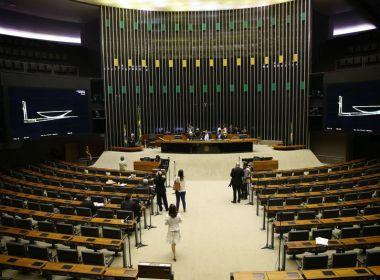 Deputados  deixam o plenário vazio nesta quinta em Brasília