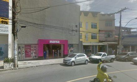 Bandidos assaltam loja na Liberdade