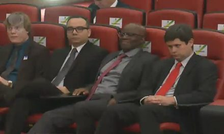 Ex-ministro Joaquim Barbosa na platéia em Brasília