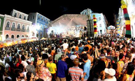 São João da Bahia tem Flávio José, Saulo, Luan Santana e muitas atrações