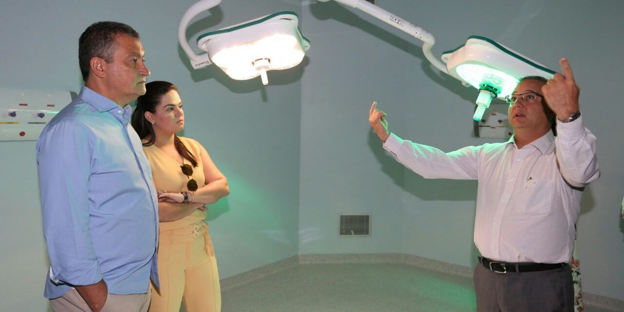 Rui visita o Hospital da Costa do Cacau, que tem entrega prevista para o segundo semestre
