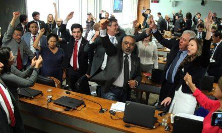 Comissão do Senado impõe derrota ao governo e parecer da reforma trabalhista é rejeitado