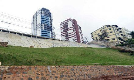 Prefeitura finaliza contenção de encosta na Federação