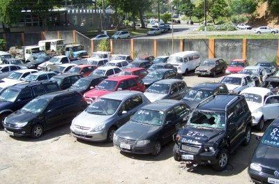 Transalvador fará leilão de carros apreendidos