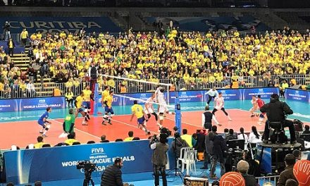 França derrota o Brasil em jogo empolgante e é campeã mundial de vôlei