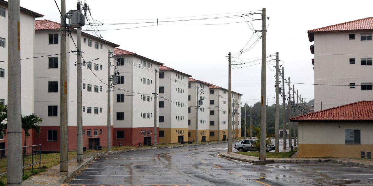 Prefeito entrega casas para mais de 400 famílias em Cajazeiras VI