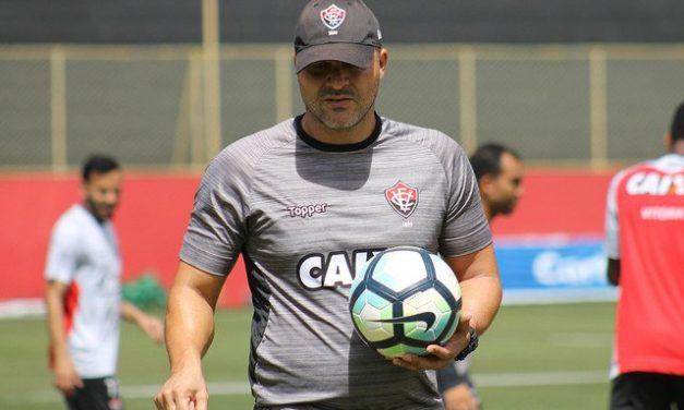 Com sangue rubro-negro no comando técnico, Vitória pega a Chape no Barradão