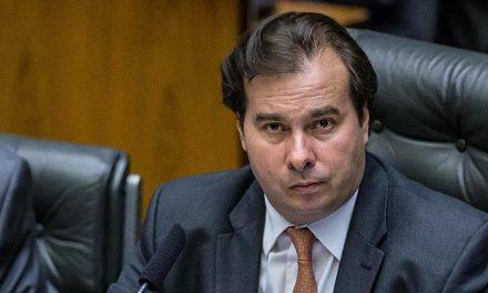 Rodrigo Maia critica suposta revisão de meta fiscal