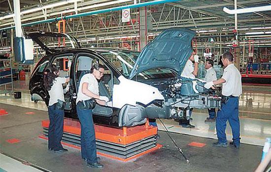 Ford contrata 150 trabalhadores agora em julho