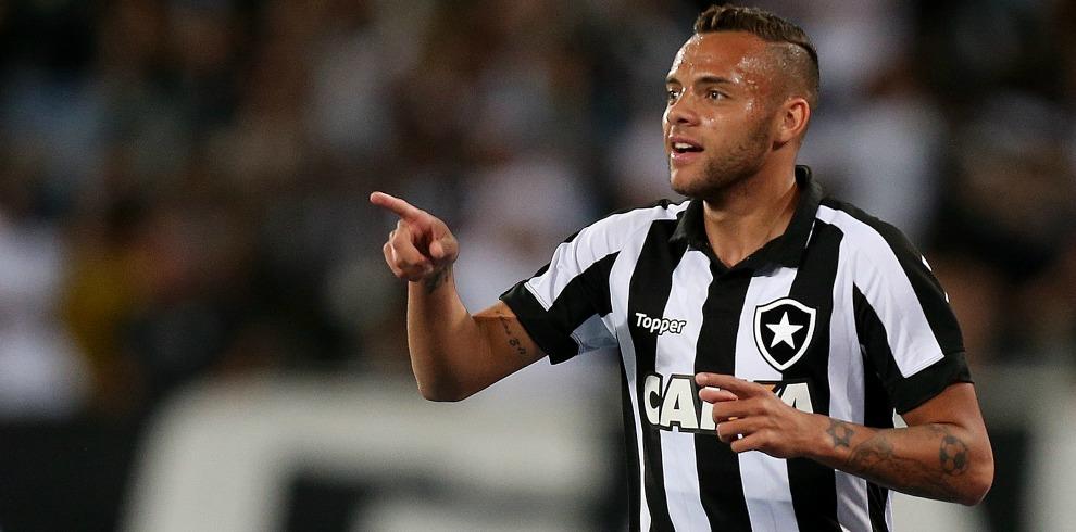 Botafogo vence o Sport e chega ao 6° lugar
