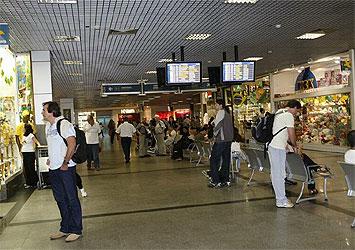 Fiscalização detecta irregularidades em lojas do Aeroporto de Salvador