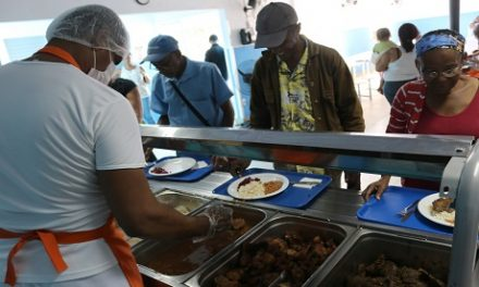 Pelourinho e Bairro da Paz ganharão cozinhas comunitárias até dezembro