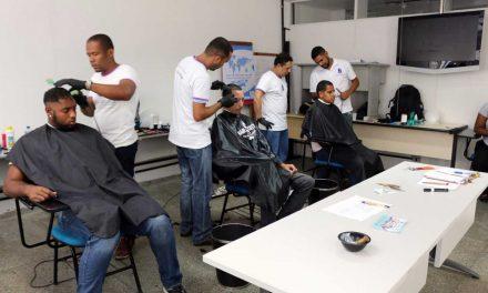 Jovens contam com cursos e oficinas profissionalizantes gratuitos ofertados pelo SIMM
