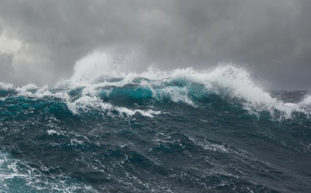 Marinha do Brasil alerta sobre mar grosso entre Caravelas e Salvador