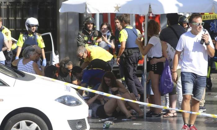 Barcelona: polícia confirma ao menos 13 mortos e mais de 50 feridos em ataque terrorista