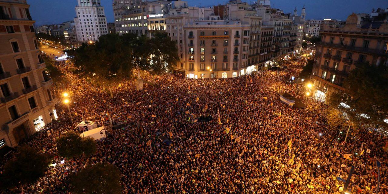 Governo espanhol age contra referendo de autonomia da Catalunha