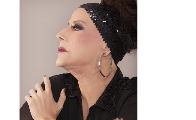 Cantora Célia morre aos 70 anos