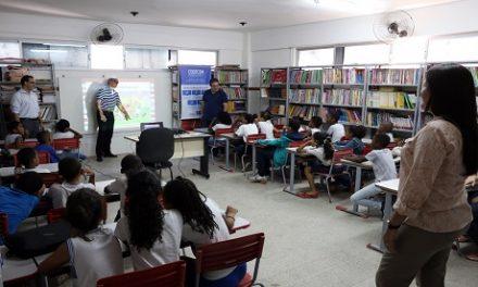 Codecon realiza palestra em escola sobre a Lei de Defesa do Consumidor