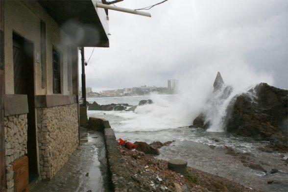 Por conta das condições do mar e dos ventos fortes Marinha orienta cuidado extra
