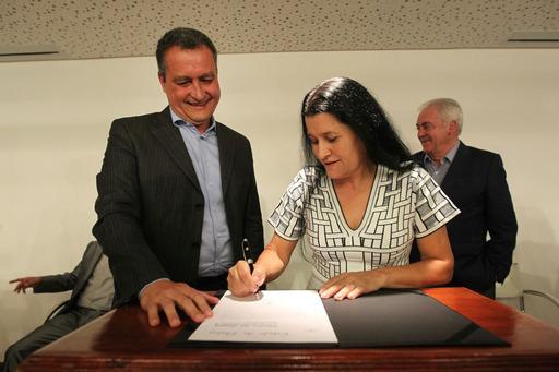 Rui Costa empossa nova secretária de Desenvolvimento Urbano