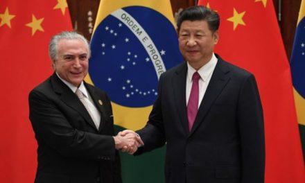 Em viagem à China Temer comemora queda do desemprego no Brasil