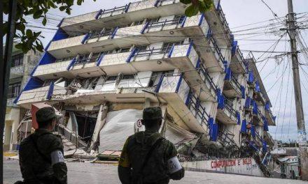 Com mais de 60 mortos o México corre contra o tempo à procura de sobreviventes do terremoto