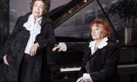 Nathalia Timberg e Clara Sverner juntas, no Teatro ISBA