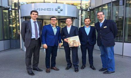 Secretário discute na França melhorias operacionais do aeroporto de Salvador