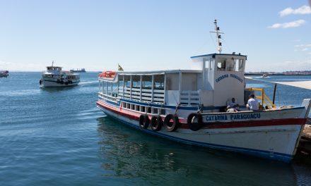 Travessia de lanchas entre Salvador e Mar Grande tem movimento tranquilo neste domingo