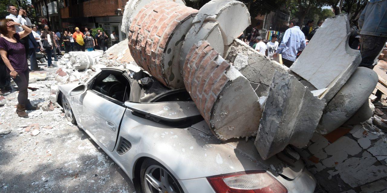 Terremoto derruba prédios e deixa mortos no México
