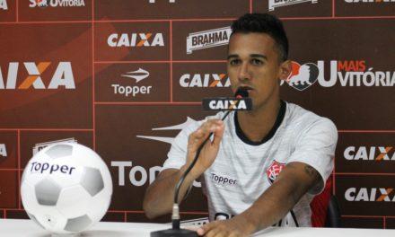 """Site mostra Vitória com 64,2% de possibilidade de rebaixamento. Juninho discorda: """"Estamos vivo"""""""