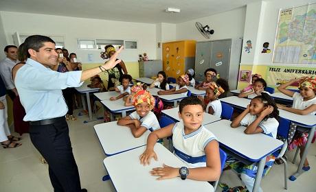 Escola reconstruída após demolição é entregue pela Prefeitura