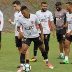 Jogadores do Vitória enfrentam o Atlético-PR e têm como meta vencer no Barradão