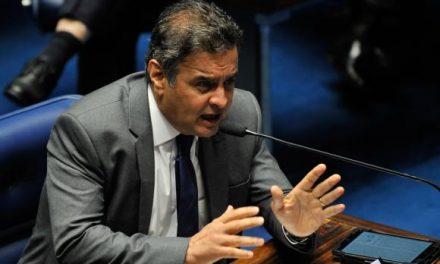 Senado revoga medidas impostas pelo STF e reconduz Aécio Neves ao cargo