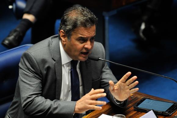 Queda de braço: Senado volta a desafiar STF no caso Aécio Neves