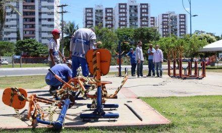 Equipamentos da Praça do Imbuí são removidos para manutenção após vandalismo