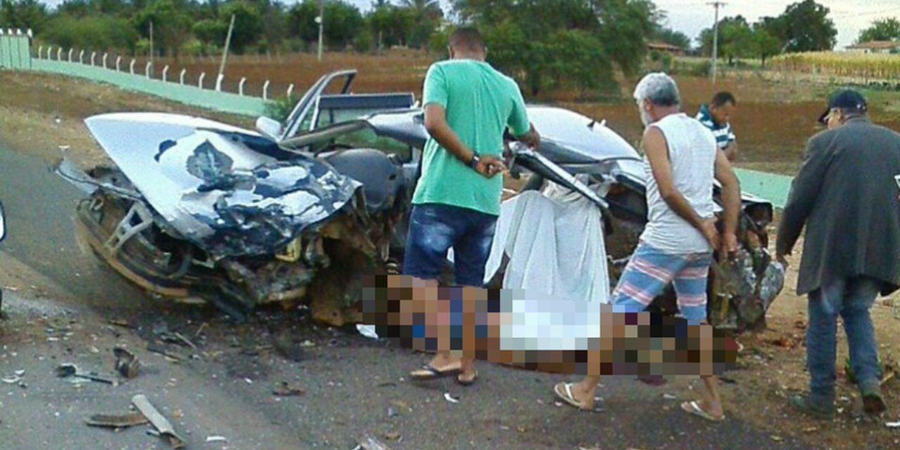 Quatro pessoas da mesma família morrem em colisão na BA-052, em Irecê