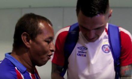 Diretoria do Bahia realiza sonho de torcedor de Itatim que queria conhecer Tiago