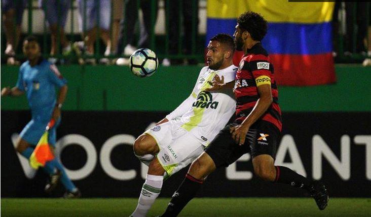 Vitória perde para Chapecoense de virada e continua colado na zona de rebaixamento