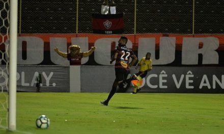 Leão atropela o Palmeiras por 3 a 1 no Barradão e sai da zona