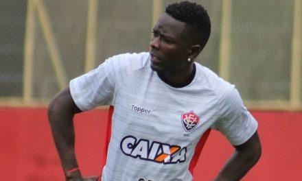 Fazer um jogo com muita intensidade para pontuar contra o Grêmio, diz Kanu