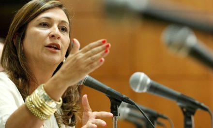 Kátia Abreu chama o colega senador Romero Jucá de 'canalha, crápula e ladrão de vidas'