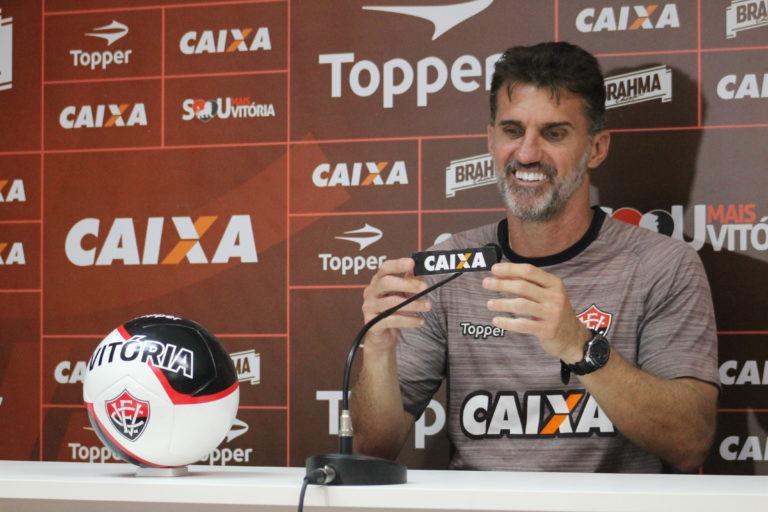 Mancini revela dúvidas sobre qual time escalar para pegar o Vasco, no Maracanã
