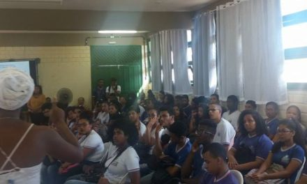 Novembro Negro é celebrado em Salvador por estudantes da rede estadual