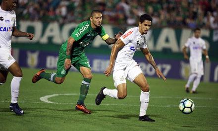 Santos esquece sonho de título brasileiro após derrota por 2 a 0 para a Chapecoense