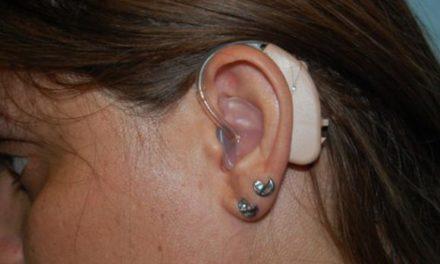 Uso irregular de fone de ouvido leva jovens a perder a audição