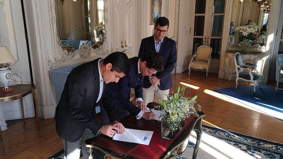 Prefeito assina carta de cooperação em Portugal para valorização do Centro Histórico